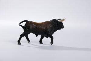 Animales de juguete | Animales de Coleccionismo | Meskebous NUEVO Toro Bravo Lombardo Albardado
