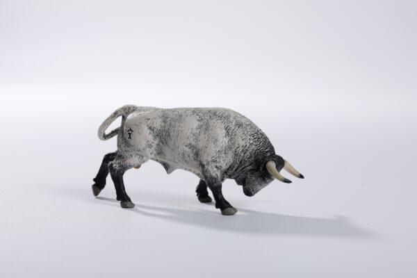 Animales de juguete | Animales de Coleccionismo | Meskebous NUEVO Toro Embistiendo Ensabanado Careto Bocinegro