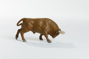 Animales de juguete | Animales de Coleccionismo | Meskebous Toro Embistiendo Colorado