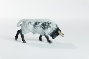 Animales de juguete | Animales de Coleccionismo | Meskebous Toro Embistiendo Ensabanado Capirote
