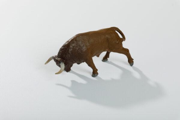 Animales de juguete | Animales de Coleccionismo | Meskebous Toro Embistiendo Colorado Ojo de Perdiz