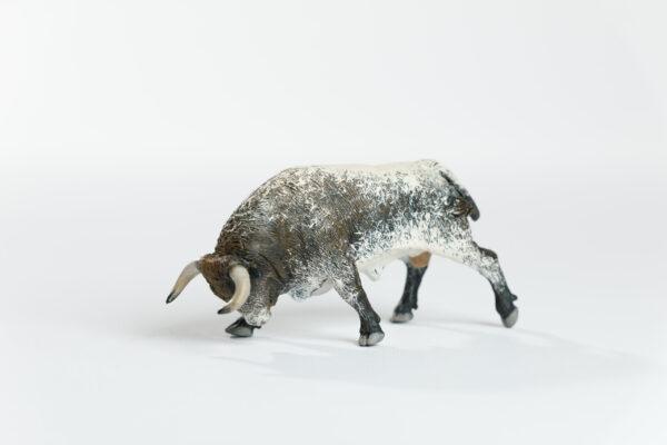 "Animales de juguete | Animales de Coleccionismo | Meskebous ""BOTINERO""    NUEVO Toro Embistiendo Sardo Capirote Botinero"