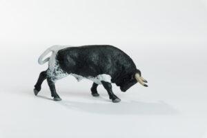 Animales de juguete | Animales de Coleccionismo | Meskebous Toro Embistiendo Berrendo Aparejado