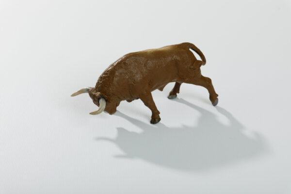 Animales de juguete   Animales de Coleccionismo   Meskebous Toro Embistiendo Colorado